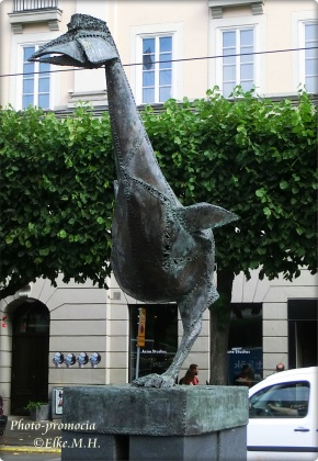 LAURA- skulptur