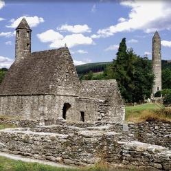 St. Kevin's Church mit Rundturm