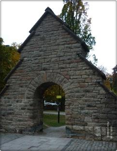 Zwei solche Portale neben dem Radhaus-Stockholm
