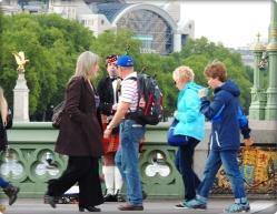 die Brücke zum Parlament