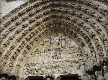 Eingang-Notre-Dame